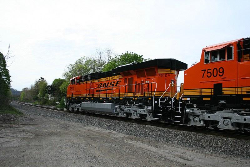 BNSF 7510